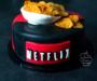 Tort Netflix / HBO – czekoladowo-owocowy