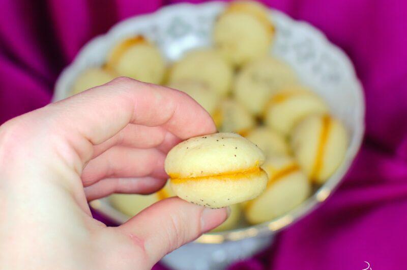 Maślane ciasteczka z konfiturą z mango